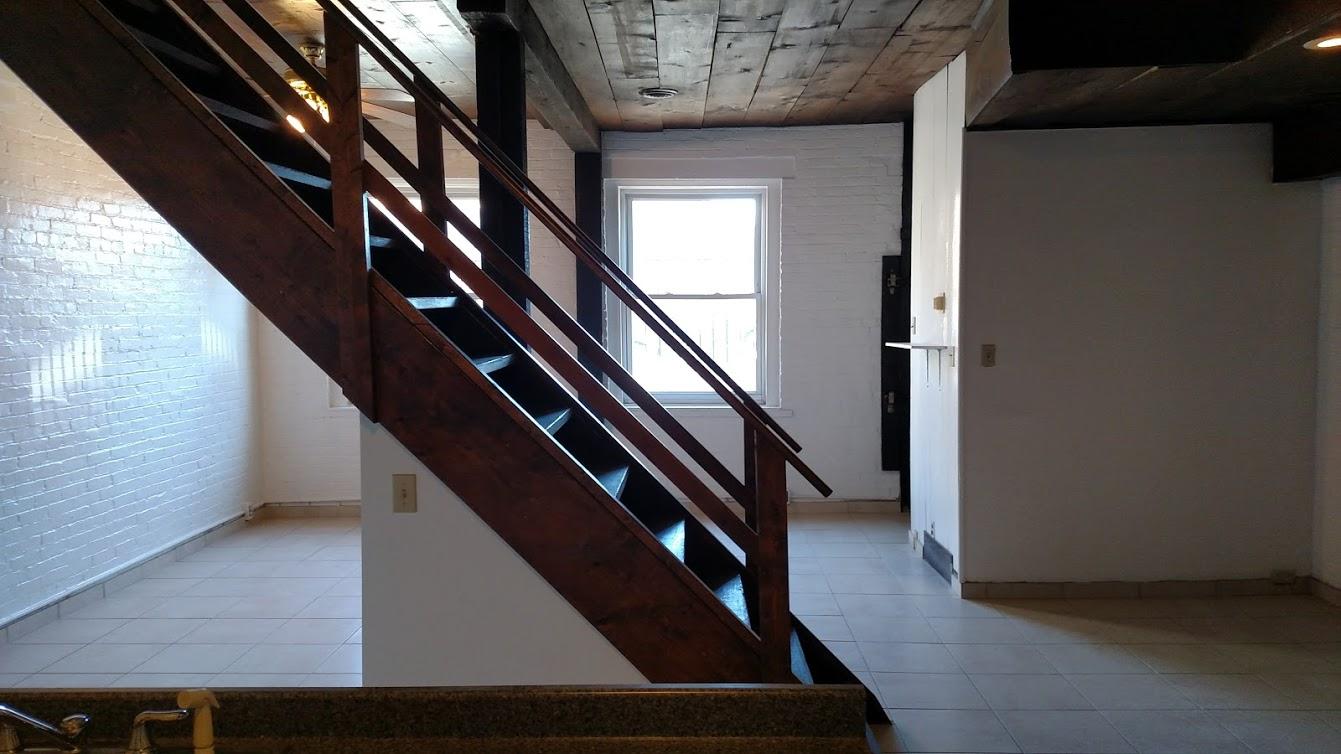 816 Cedar Avenue – Rear Carriage House